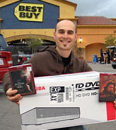 AVS Forum Member Buying HD-DVD Player, Discs from Best Buy