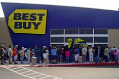 Crowded Line at Best Buy