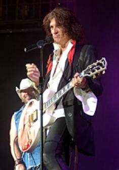 Joe Perry, Toby Keith [Elvis: Viva Las Vegas Publicity Still]
