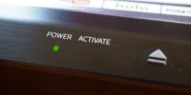 http://cdn.highdefdigest.com/uploads/2016/02/22/660/Samsung_UBD_K8500_UltraHD_Blu-ray_Player_POWER.jpg