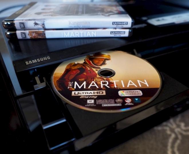 http://cdn.highdefdigest.com/uploads/2016/02/22/660/Ultra_HD_Blu-ray_TheMartian_disc.jpg