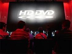 HD DVD {People in Theater]