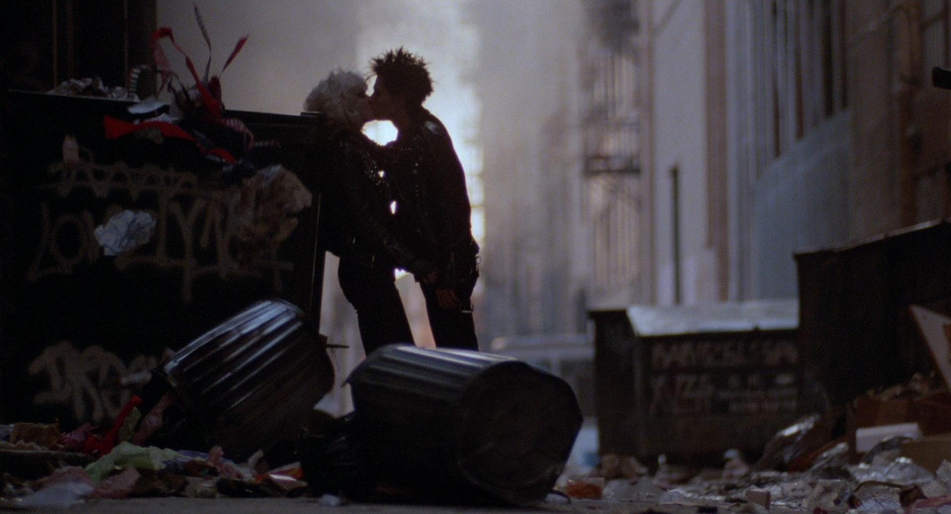 Sid and Nancy - Love in the Trash