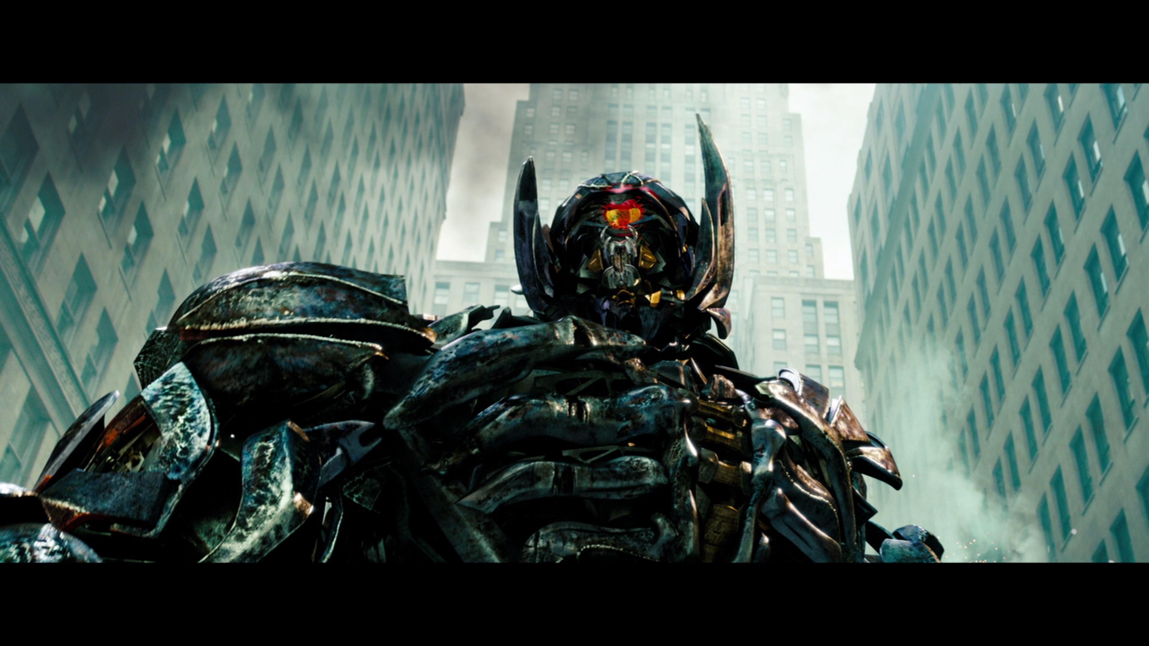 Transformers: Dark of the Moon - 4K Ultra HD Blu-ray Ultra ...